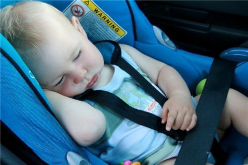 Algunos trucos para conseguir dormir a un bebé