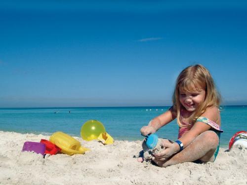 Como conseguir que nuestro hijo esté seguro en el agua