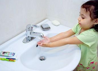 como-ensenar-a-los-ninos-buena-higiene_ive6a