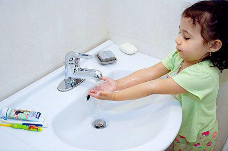 Cómo enseñar a los niños buena higiene