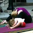 conoce-los-beneficios-que-tiene-la-practica-de-yoga-en-tu-hijo_8rnq1