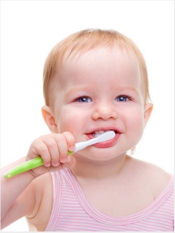 consejos-para-el-cuidado-bucal-del-bebe_jzhvo