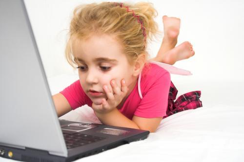 Consejos para mantener buena relación con tu hijo y el tema de Internet