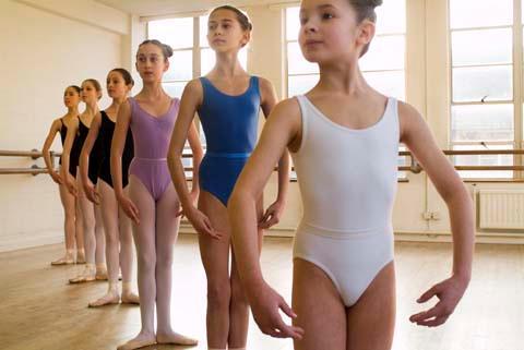 Consejos para orientar a las niñas a conocer y aceptar su cuerpo