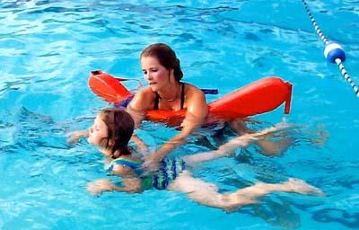 consejos-para-padres-cuando-inscriben-a-sus-hijos-en-natacion_btuho