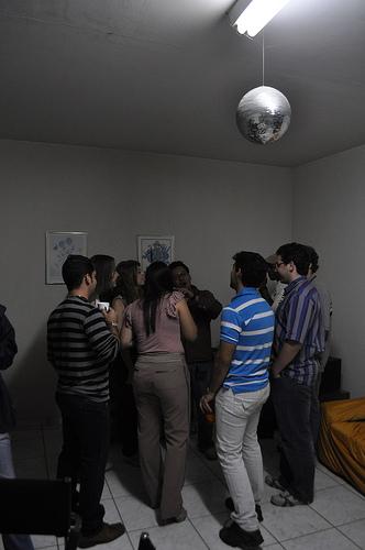 disfruta-de-una-fiesta-en-casa_ial6z