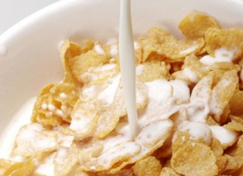 el-bebe-comienza-a-comer-cereales_mip6j