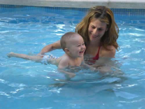 enfrentarse-a-los-bebes-en-la-piscina_4syfw