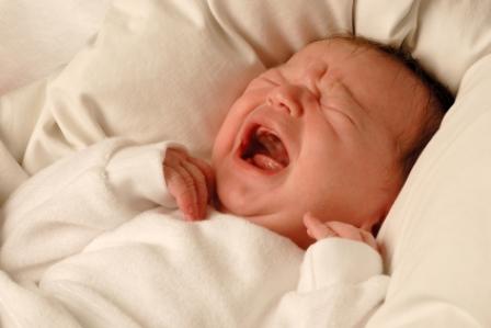 Entendimiento de cólicos en los bebés