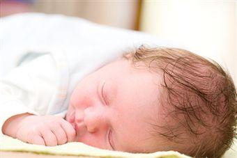 es-seguro-que-un-bebe-duerma-boca-abajo_tobfm
