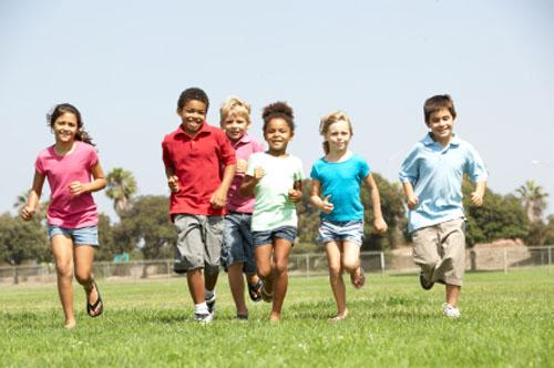 Juego, ejercicio y deporte contribuyen al desarrollo del niño