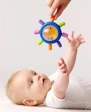Juegos para recién nacidos que estimulan su desarrollo