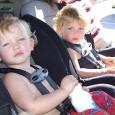 la-seguridad-y-los-ninos-en-el-coche_fkua5