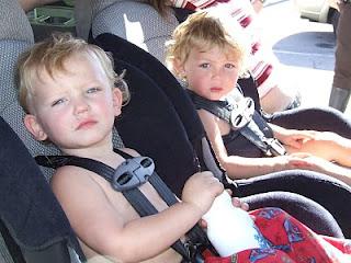 La seguridad y los niños en el coche