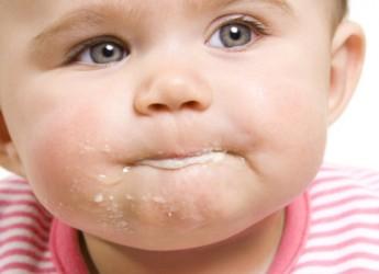 medidas-a-adoptar-cuando-tu-bebe-regurgita-demasiado-parte-ii_y125e