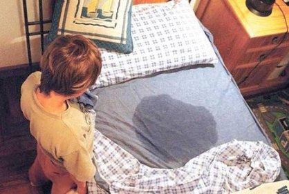 Pequeños que mojan la cama