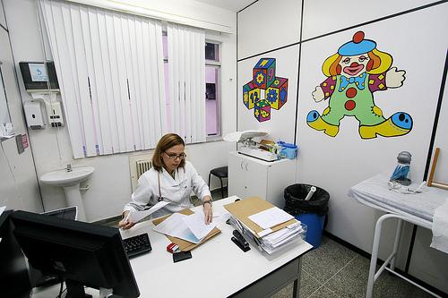preparar-al-nino-para-visitar-al-doctor_dz72a