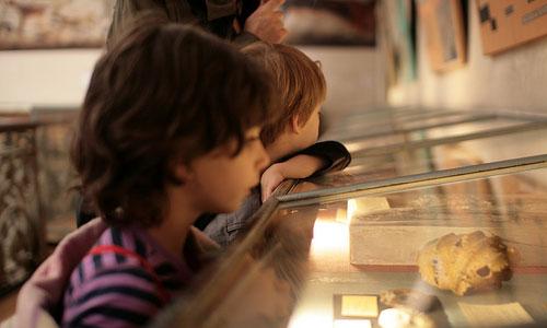 Razones por las que los niños deben conocer los museos