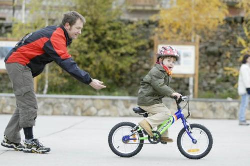 trucos-para-poder-montar-en-bici-sin-los-ruedines_b35qy